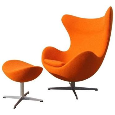 This early example of the Egg Chair, originally designed in 1958 by the Danish designer Arne Jacobsen for the SAS Royal Hotel in Denmark, will be shown at the Boston Home Décor Show by Machine Age of Boston, which specializes in mid-century modern furniture.